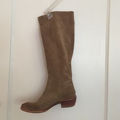 Bronx Pull On Suede Boot Camel colored, suede pull on boot. Great boot with a great heel height. Good quality boot. Matches everything. Bronx Shoes