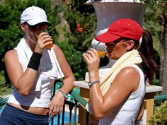 Hydration Dos and Don'ts for Tennis Players