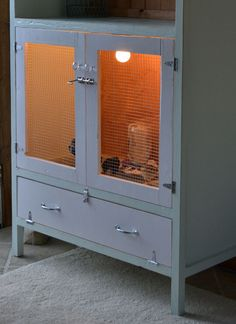 Well thought out chick brooding cabinet with extensive DIY plans. Very cute, crafty and flexible.