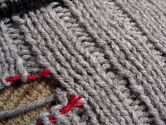 """Grafting ribbing tutorial - no """"purlwise"""" or """"knitwise"""" here, this is about learning the anatomy of a stitch."""