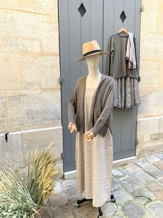 Robe Than en coton, Gilet en laine en laine de Yak tricoté. - Cotton Than dress, Yack wool sweater. Wool Sweaters, Shirt Dress, Paris, Shirts, Dresses, Fashion, Dress, Spring Summer, Cotton