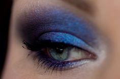 Gorgeous blue/purple makeup