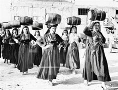 Greek Traditional Dress, Wolves And Women, Greece Pictures, Greek History, Greece Islands, Greek Life, Photo Essay, Folklore, Black And White Photography