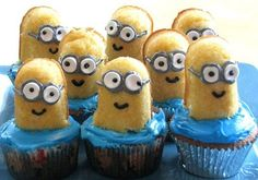 MINION CUPCAKES...I LOVE THE MINIONS!!!! :) >>>> OMG totally making these for Mark's actual birthday!!