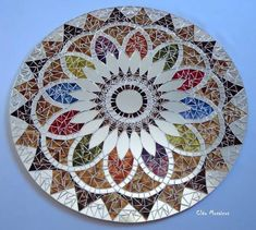 amaaaaaazing Mosaic mandala but I will make my own Mirror Mosaic, Mosaic Diy, Mosaic Garden, Mosaic Crafts, Mosaic Projects, Mosaic Glass, Mosaic Tiles, Glass Art, Mosaics