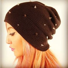 The spiked beanie is back!