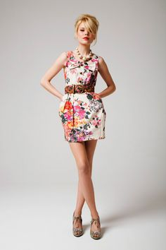 love the floral print