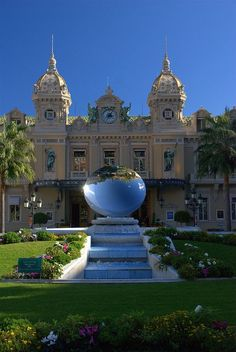 Monte Carlo, Monaco ~~ For more:  - ✯ http://www.pinterest.com/PinFantasy/viajes-~-la-france-en-images/