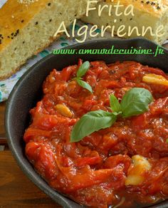 Algerische frita - - New Ideas Algerian Recipes, Algerian Food, My Recipes, Thai Red Curry, Delish, Stuffed Peppers, Dishes, Cooking, Healthy