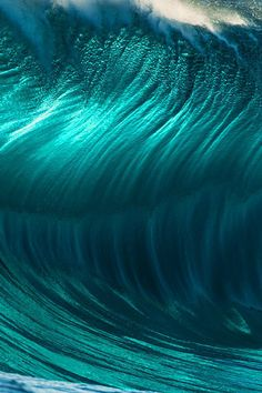 Wave face close-up Photo: Russell Ord No Wave, Beautiful Nature Wallpaper, Beautiful Ocean, Water Waves, Sea Waves, Ocean Pictures, Pretty Pictures, Sea And Ocean, Ocean Beach