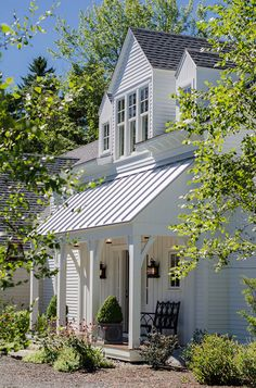 Modern farmhouse ext