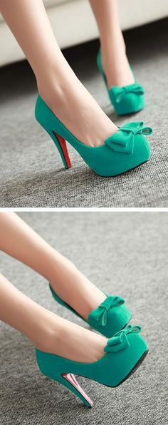 Teal bow pumps