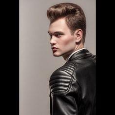Портретная фотография Ph: Vladimir Yuga Hair: @roman_313 Model: @Alex_Karasyov 777 Сurator: @wsophoto Stylist: Vladimir Yuga  Makeup: @di.vakhiitova Location: @Photoplay_ru  Postprocessing:@ilyarzaev