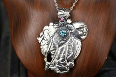 Vintage Sterling Silver Big Bold Pendant /Necklace with blue