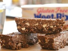 Breakfast Bars 8 Gluten Free Weet-Bix 1 cup pitted dates ½ cup diced almonds…