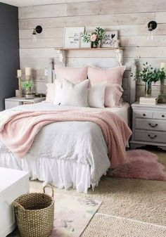 Unique Shabby Chic Bedroom Decor Ideas & Designs In 2019 After a hard day at work, hitting the sack is the only thing one would have in mind. Here are beautiful shabby chic bedroom decor ideas & designs. Winter Bedroom, Cozy Bedroom, Home Decor Bedroom, Decor Room, Bedroom Furniture, Ikea Bedroom, Bedroom Designs, Bedroom Small, Bedroom Girls