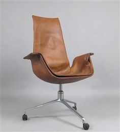 KILL INTERNATIONAL Fabricius and Jørgen Kastholm Tulip chair 1965