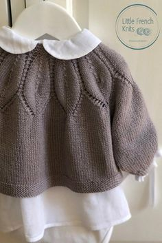 Baby Knitting Patterns, Leaf Knitting Pattern, Christmas Knitting Patterns, Arm Knitting, Knitting For Kids, Baby Patterns, Knitting Needles, Baby Cardigan, Cardigan Pattern
