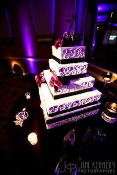 Mulit-tiered Wedding Cake with Bling Bling Cake Stand