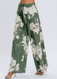 Latest fashion trends in women's Pants & Leggings. Shop online for fashionable ladies' Pants & Leggings at Floryday - your favourite high street store. Loose Pants, Boho Pants, Women's Leggings, Leggings Are Not Pants, Plazzo Pants, Desi Wedding Dresses, Slacks For Women, Boho Green, Work Wardrobe