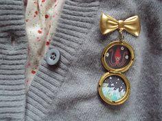 locket brooch