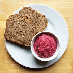 Beetroot spread with horseradish Beetroot, Banana Bread, Vegan Recipes, Good Food, Healthy Eating, Vegetarian, Cooking, Desserts, Eating Healthy