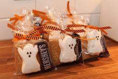Halloween Desserts, Halloween Gift Baskets, Halloween Goodie Bags, Halloween Treats For Kids, Halloween Party Favors, Halloween Goodies, Halloween Birthday, Holidays Halloween, Halloween Gifts