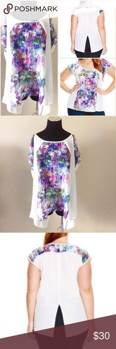 Plus Size printed split back top Size 20- City chic. This is very light weight and gorgeous! Great for spring! Brand new with tags. City Chic Tops Blouses