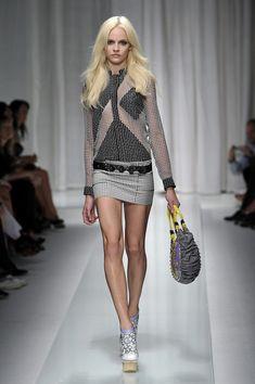 Versace at Milan Fashion Week Spring 2010 - Runway Photos