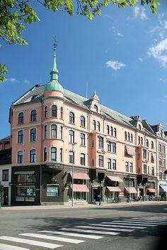 Munkegaten (Olav Tryggvasons gate), Trondheim, Norway.  Photo: Helena Normark, via Flickr