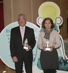 """2012 DIARIO MÉDICO AWARDS - Secot and Bioibérica, winners of the """"Best Ideas of 2012"""" by the prestigious medical newspaper """"Diario Médico"""". In the photo, Marta Fabregat, head of Marketing of Bioibérica Farma. More information: http://www.bioiberica.es/Noticias/Farma_Artrosis/V279/S1/La_SECOT_y_Bioiberica_Farma_ganadores_del_premio_Mejores_Ideas_2012_por_el_curso_Cuadernos_de_Cirugia_Articular.html"""