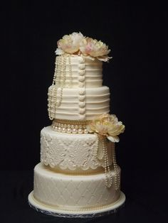Old Lace, hold the Arsenic. Gorgeous cake for the vintage bride.