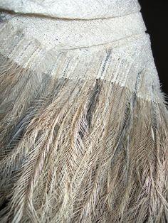Weaving with feathers., textile art, fabric art with feathers Art Fibres Textiles, Weaving Textiles, Textile Texture, Textile Fiber Art, Emu, Scandinavia Design, Creation Photo, Weaving Projects, Diy Projects