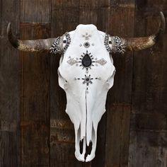 GLAMOR of Ashes Cow Skull