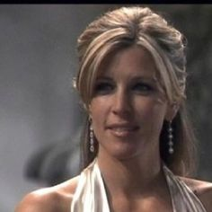 Laura Wright (Carly)