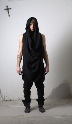 Aleksandr Manamis Fall/Winter 2011 - this. Pagan Men, Fashion 2017, Mens Fashion, Alternative Men, Dystopian Fashion, Mens Attire, Men's Wardrobe, Dark Fashion, Fashion Books