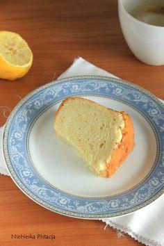 Cytrynowa babka z białek