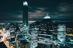Así se ve #Santiago de #Chile de noche... This is what #Santiago de #Chile looks like at night... Photo/Foto: @blvckimvges / Instagram by chiletravel