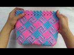 #Motifkalimantan #Motiflabirin Tas talikur motif labirin/Motif kalimantan - YouTube Macrame Earrings Tutorial, Macrame Tutorial, Earring Tutorial, Macrame Owl, Macrame Knots, Loom Crochet, Loom Knitting, Macrame Patterns, Crochet Patterns