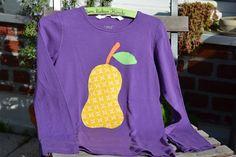 T-Shirts - *süßes Langarm-Shirt mit Birne, lila* - ein Designerstück von tibatong-shop bei DaWanda