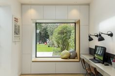 my most popular image on Houzz- house extension in Barnes circa 2016 Home Design, Home Office Design, Office Designs, Design Ideas, Design Styles, Modern Window Seat, Modern Windows, Window Seats, Contemporary Windows