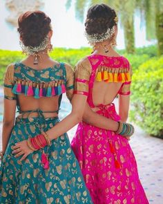 Ready to rock the wedding season with the mesmerizing and stylish blouse designs? Not only the bride every girl wants to look at their ethnic best at weddings. Fancy Blouse Designs, Bridal Blouse Designs, Blouse Neck Designs, Blouse Designs Lehenga, Indian Blouse Designs, Traditional Blouse Designs, Dress Designs, Blouse Styles, Stylish Blouse Design