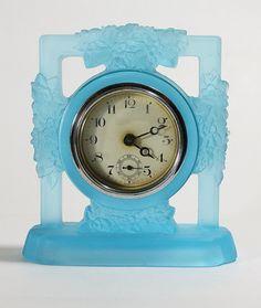 Very attractive Art Deco glass clock.