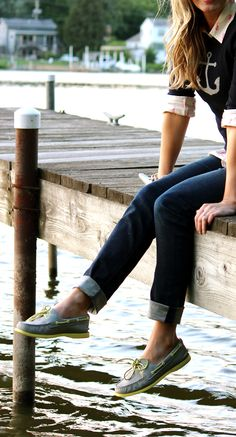 Sperrys and anchors. Perfectly nautical - Sperrys and anchors. Perfectly nautical Best Picture For college outfits For Your Taste You are l - Preppy Outfits, Preppy Style, Simple Outfits, My Style, College Outfits, Grunge Outfits, Work Outfits, I Look To You, Look Fashion