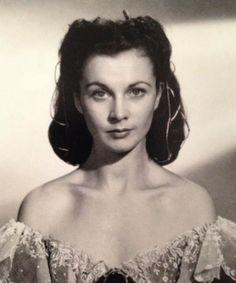 A rare picture of a makeup-less Vivien Leigh