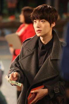 Ahn Jae Hyun.   Korean drama  Blood.