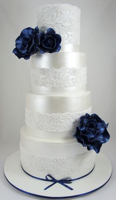 Eye-Catching Wedding Cake Inspiration. To see more…