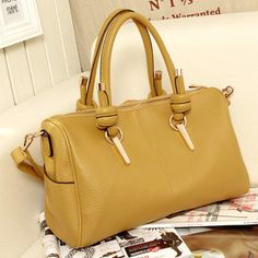 Material:PU Leather  Detailed Size: 32cm(Length)*22cm(Height)*12cm(Thickness)