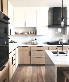 Most Popular Two Tone Kitchen Cabinets for 2018 - These minimalist kitchen i. Most Popular Two Tone Kitchen Cabinets for 2018 – These minimalist kitchen ideas are equal co Contemporary Kitchen Design, Contemporary Kitchen, Kitchen Inspirations, Modern Kitchen, New Kitchen Cabinets, Kitchen Interior, Kitchen Remodel Layout, Kitchen Style, Minimalist Kitchen