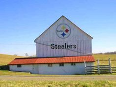 Steelers barn....shows these farmers have great taste!